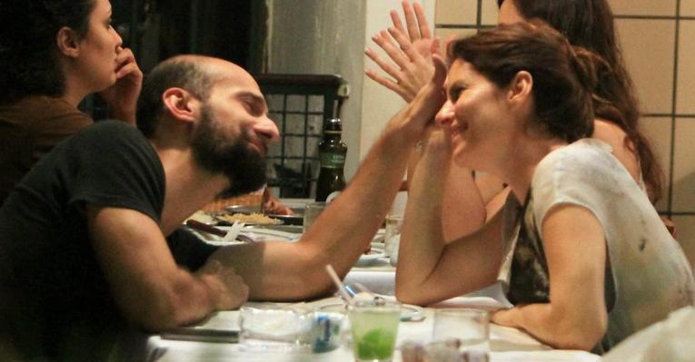 Débora Bloch: jantar em clima de romance