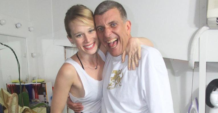 Mariana Ximenes prestigia Jorge Fernando no teatro