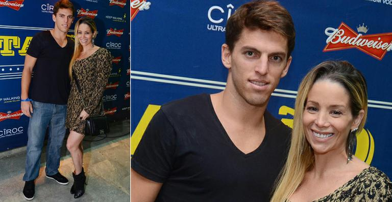 Danielle Winits curte festa com o namorado, Amaury Nunes