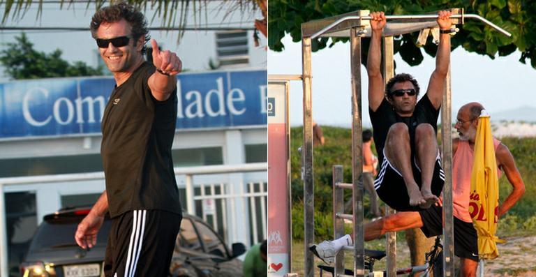 Domingos Montagner se exercita na orla carioca