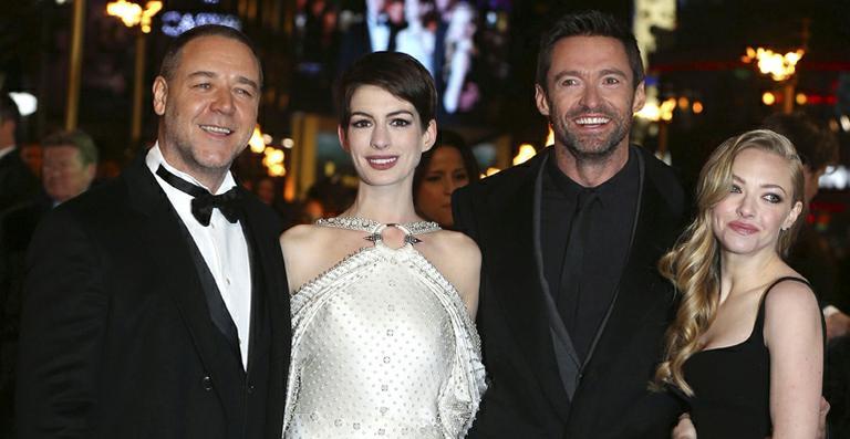 Anne Hathaway e Amanda Seyfried apresentam 'Os Miseráveis' em Londres