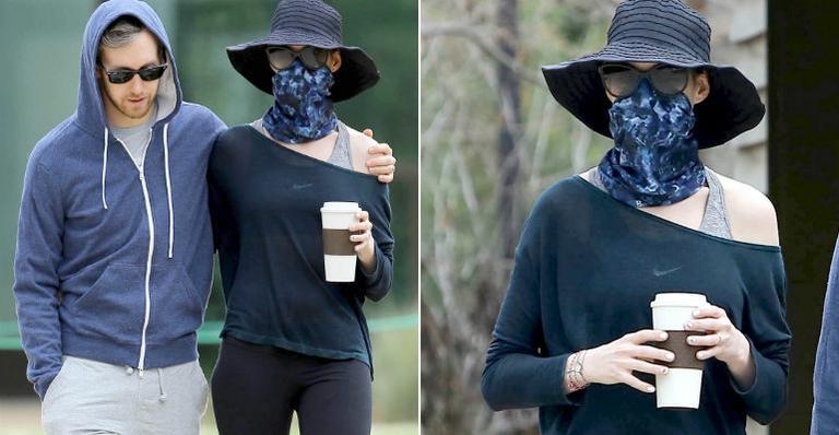 Anne Hathaway usa disfarce a la Michael Jackson em passeio com o marido
