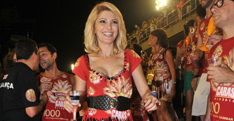 Antonia Fontenelle se emociona em primeiro carnaval sem Marcos Paulo