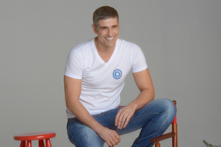 Reynaldo Gianecchini estrela campanha contra câncer de mama  Reynaldo Gianecchini Depois Do Cancer