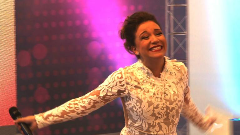 Priscilla Alcantara e os detalhes do novo programa na RedeTV
