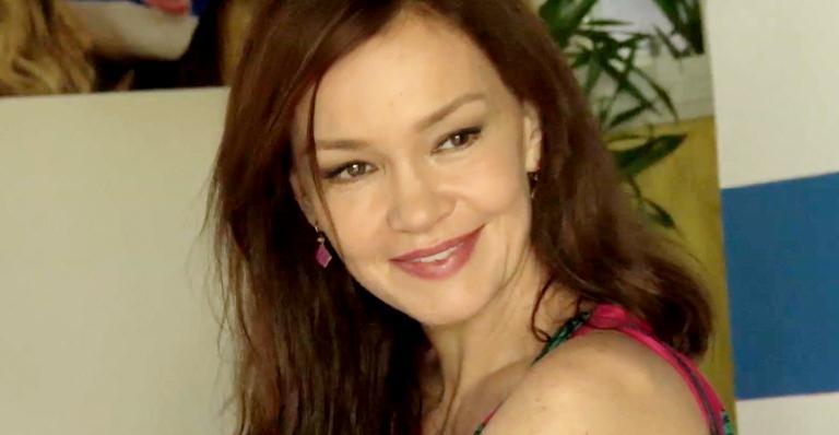 Julia Lemmertz: a estrela de Em Família na Ilha de CARAS