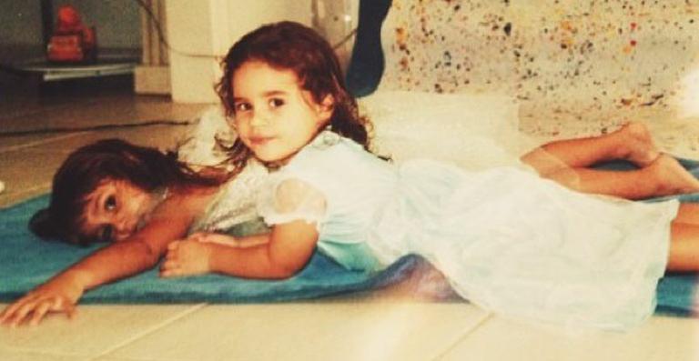 Lívian Aragão mostra foto antiga ao lado de Sasha Meneghel: 'Te amo'