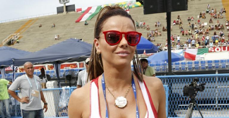 Viviane Araújo mostra corpão na academia após o Carnaval