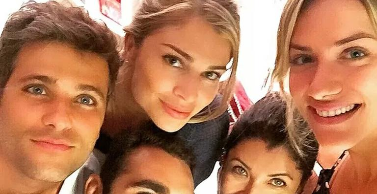 Grazi Massafera encontra Bruno Gagliasso e Giovanna Ewbank