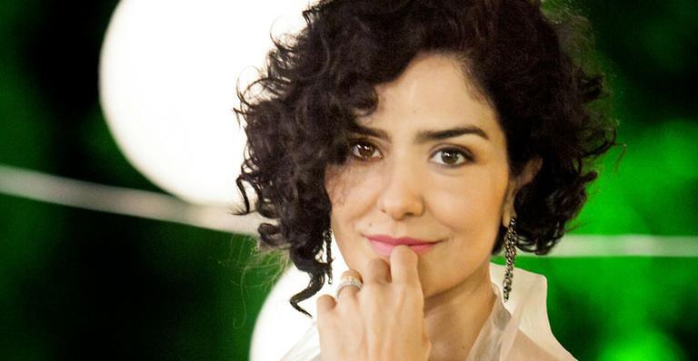 Letícia Sabatella se pronuncia após supostamente abandonar hospital sem alta médica | CARAS