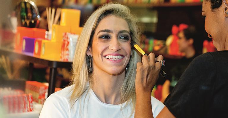 Fabuloso Daniele Hypolito, Flávia Saraiva e Jade Barbosa: tarde de beleza ZP31