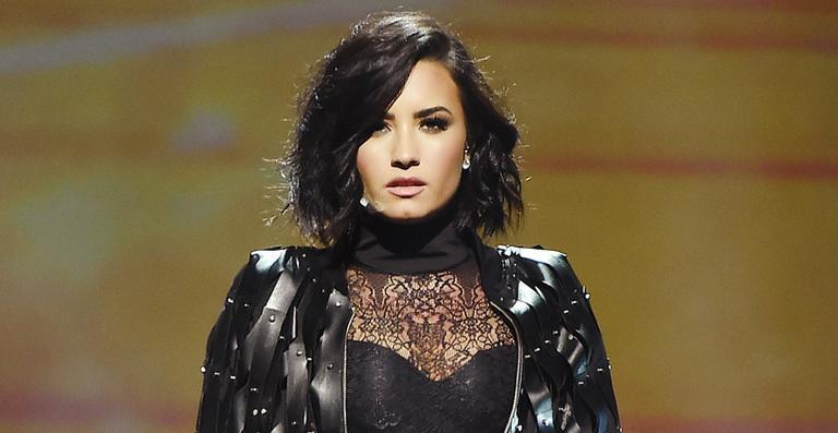 Demi Lovato termina o namoro com brasileiro