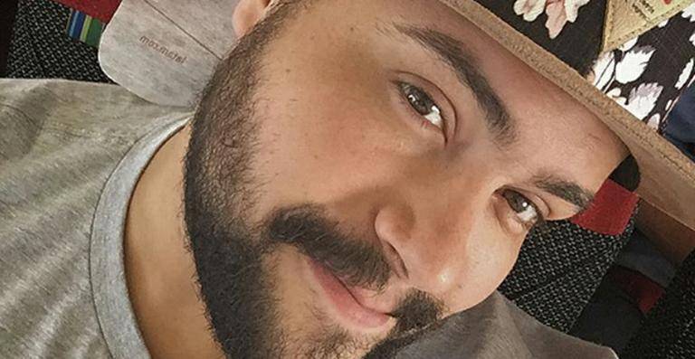 Tiago Abravanel apresenta novo single 'Te Quero Na Rua'