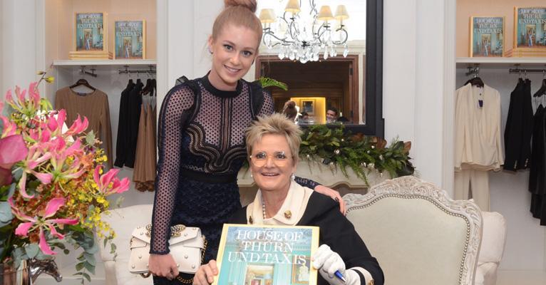 Marina Ruy Barbosa prestigia coquetel com a Princesa alemã Gloria Von Thurn und Taxis