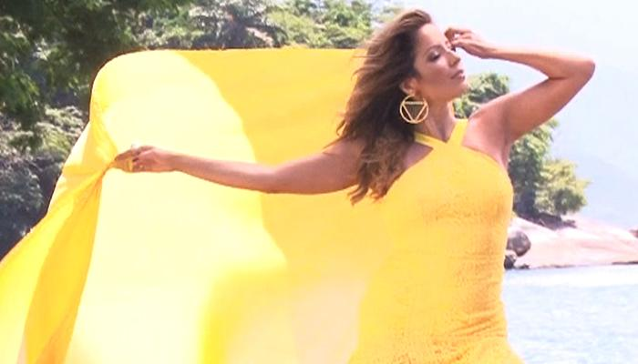 Camaleoa, Renata Dominguez se transforma na Ilha de CARAS