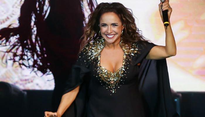 Vlog de Caras: Daniela Mercury se prepara para virada cultural