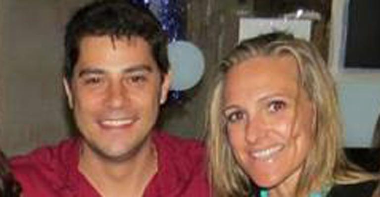 Esposa de Evaristo Costa comemora chegada no Reino Unido: