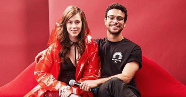 Otaviano Costa insinua gravidez de colega da Globo e ela comenta