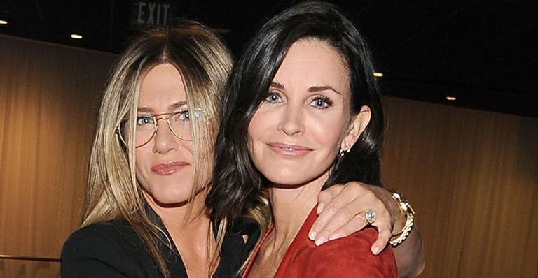 Em Malibu, Courteney Cox celebrou os 49 anos de Jennifer Aniston