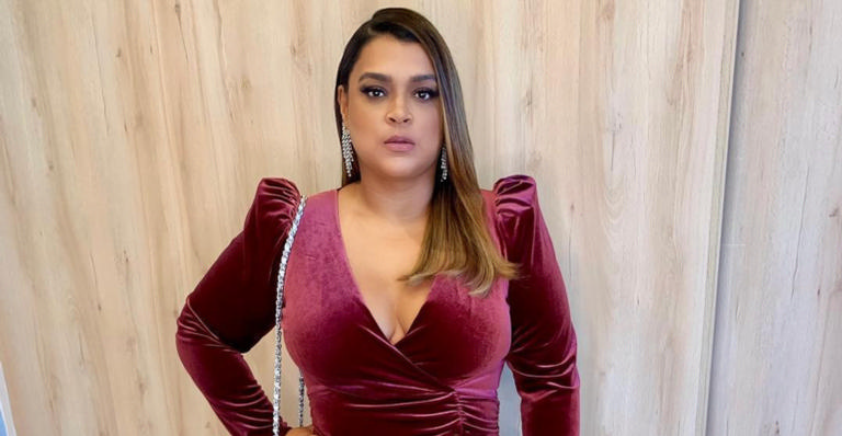 A cantora deixou seguidores curiosos sobre emagrecimento e foi questionada