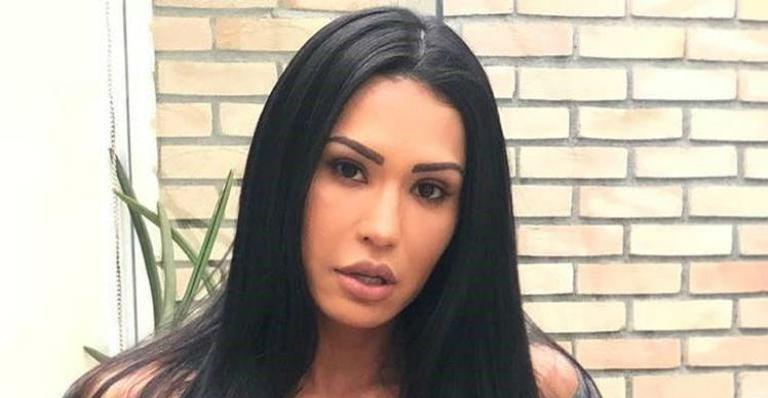 Esposa de Belo respondeu seguidor que falou mal do seu corpo sarado