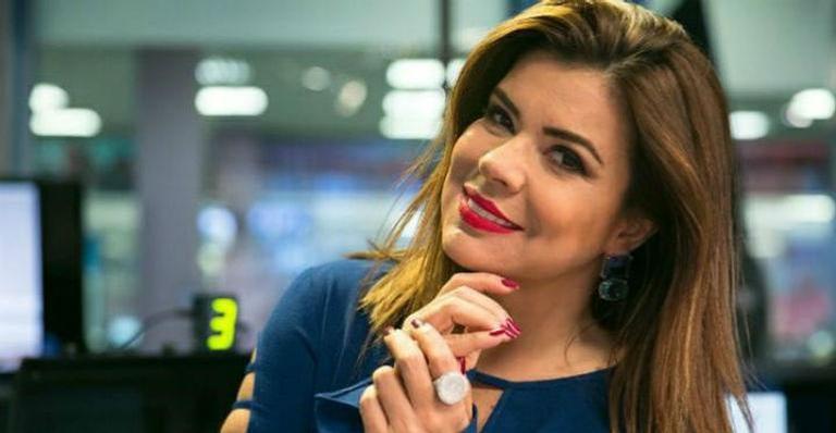 Mara Maravilha surpreende ao surgir vestida de índia junto de apresentador da TV Globo