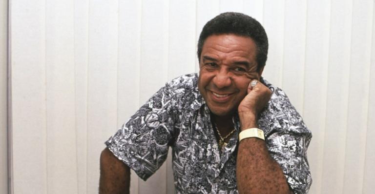 Astro de 82 anos segue internado na UTI do Hospital Geral Alberto Santos sob cuidados médicos