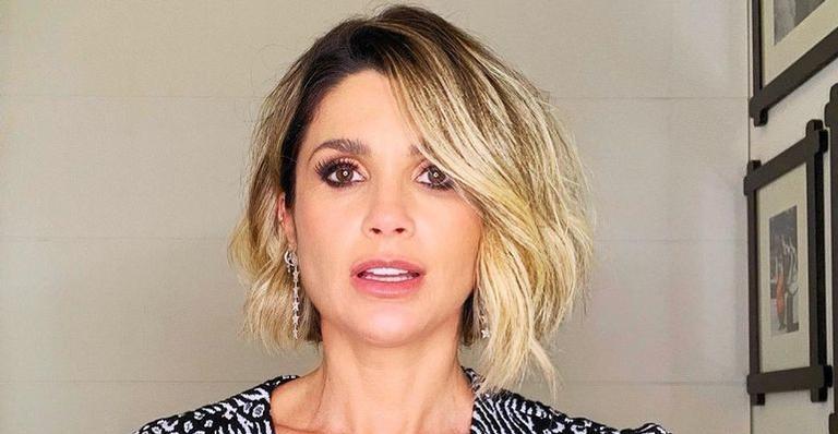 De biquíni cavado, Flávia Alessandra exibe curvas deslumbrantes aos 45 anos