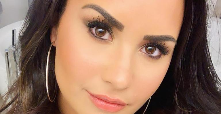 Fim da rivalidade? Demi Lovato surpreende fãs ao elogiar música de Taylor Swift