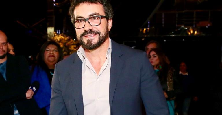 Padre Fábio de Melo causa tumulto durante show do Roberto Carlos