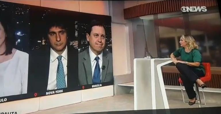Apresentadora de telejornal causa polêmica ao tirar sarro de 11 de setembro
