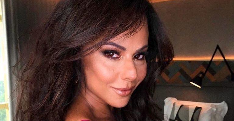Beleza natural! Vivi Araújo aparece sem make e deixa seguidores impressionados