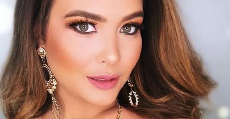 Geisy Arruda compartilha clique sensual e empina o bumbum na web