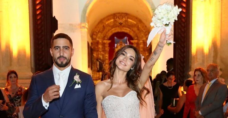 Confira detalhes do casamento na igreja de Thaila Ayala e Renato Góes