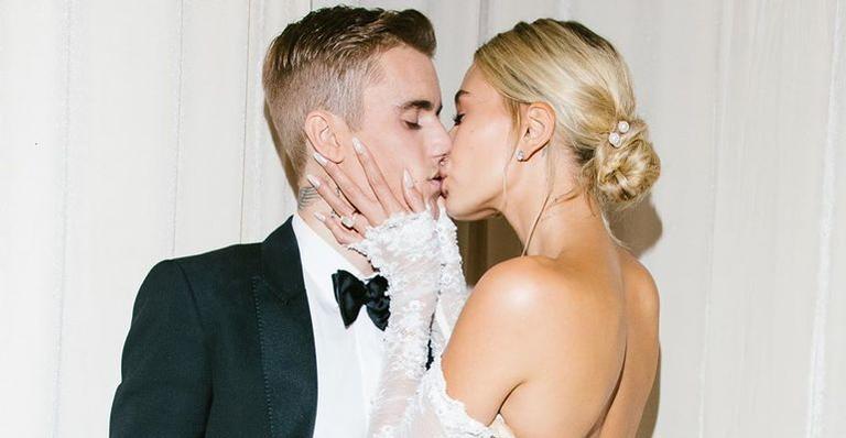 Justin Bieber e Hailey Bieber abrem álbum de casamento