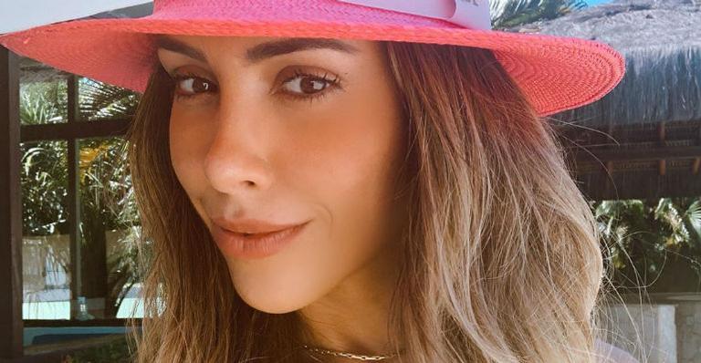 Primogênita de Bella Falconi, Victoria, faz pose de modelo ao lado da mãe e encanta nas redes sociais