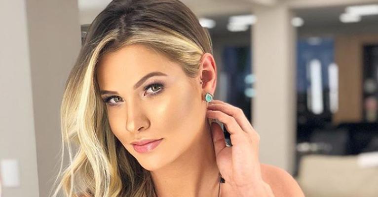 Andressa Suita, mulher de Gusttavo Lima, ostenta look grifado avaliado em R$ 15 mil