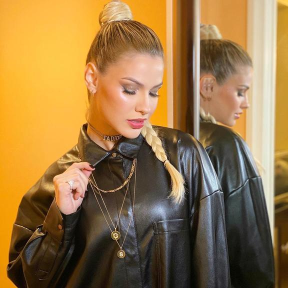 Andressa Suita ostenta look de mais de R$11 mil