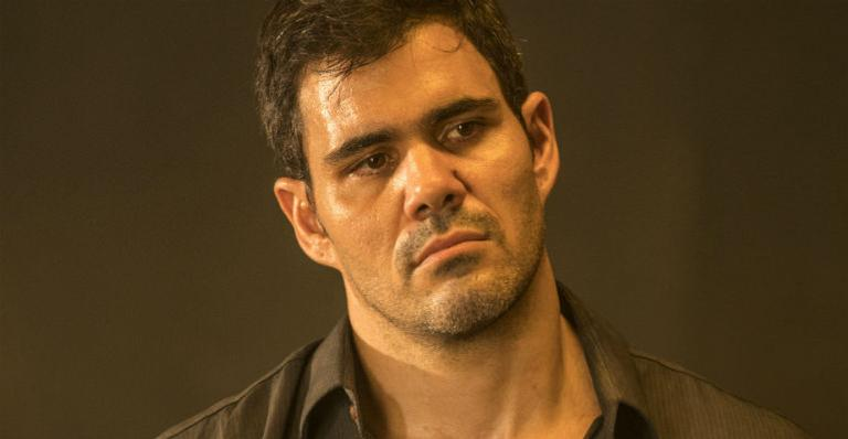 Juliano Cazarré utilizou as redes sociais para responder as críticas dos seguidores após polêmica sobre machismo