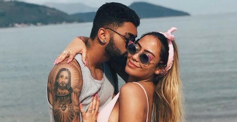 Após reatar namoro, Gabigol aproveita dia de folga para curtir com Rafaella Santos, irmã de Neymar Jr.