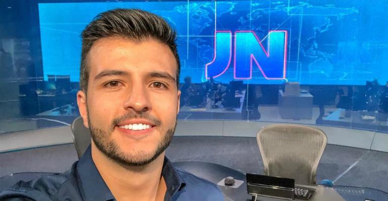 O novo apresentador do Jornal Nacional, Matheus Ribeiro, é o primeiro gay assumido que esteve na bancada