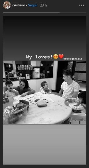 Cristiano ao lado da família: ''My loves''
