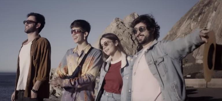 João Guilherme e Jade Picon vivem romance em videoclipe