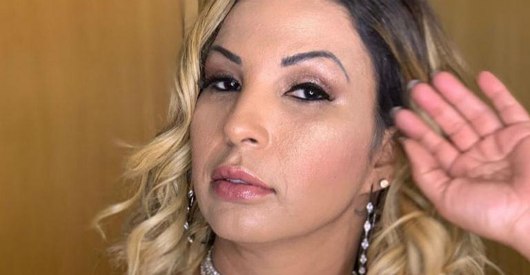 Valesca Popozuda abre álbum de fotos de outros Carnavais e declara amor pelo samba