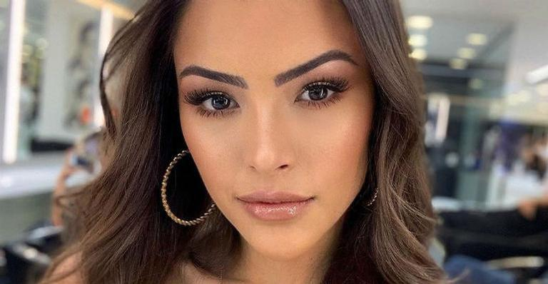 Cantora arrancou suspiros dos internautas ao compartilhar clique sensual nas redes sociais.