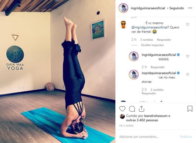 Ingrid Guimarães fazendo Yoga