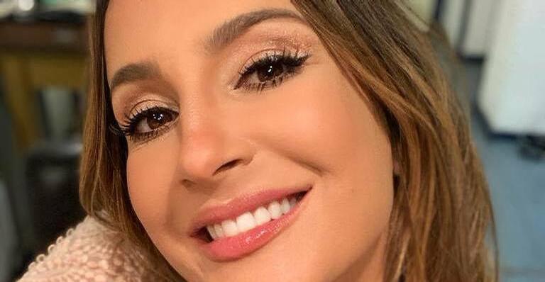 Claudia Leitte encanta a internet ao amamentar a filha Bella: ''Mãe linda!''
