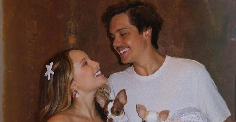 Larissa Manoela se declara para Leo Cidade ao comemorar aniversário de namoro