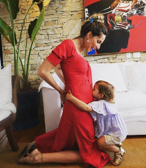 Mariana Weickert anuncia segunda gravidez