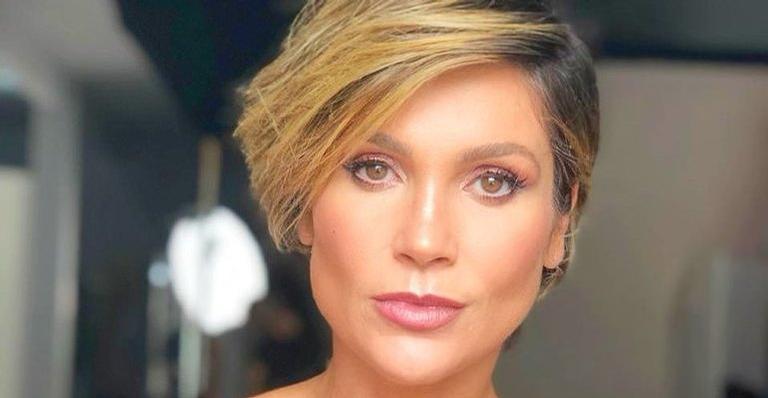 De biquíni, atriz exibe abdômen sequíssimo e impressiona